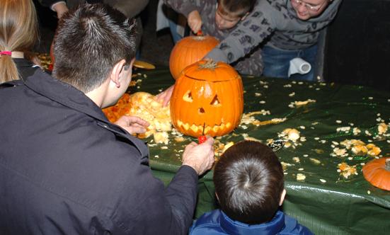2008-10-31 Halloween-Party im Taborpark  08Hallo_DSC_0009.jpg