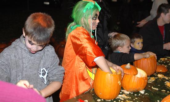 2008-10-31 Halloween-Party im Taborpark  08Hallo_DSC_0010.jpg
