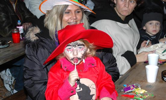 2008-10-31 Halloween-Party im Taborpark  08Hallo_DSC_0013.jpg