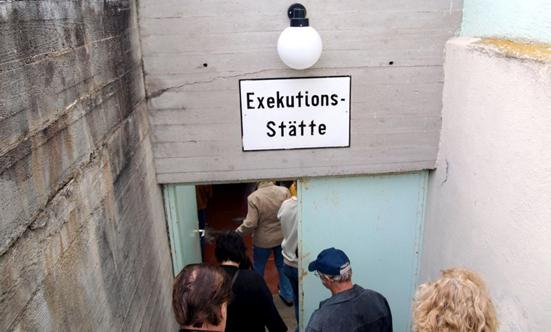 2009-05-16 Gedenkfahrt nach Mauthausen 2009  09gedenk_P5161349.jpg
