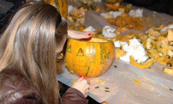 2009-10-31 Halloween-Party im Taborpark  09helloween_DSC_0025.jpg