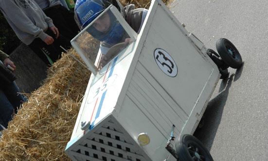 2010-04-24 Seifenkistenrennen  10seifenkisten_DSC_0027.jpg