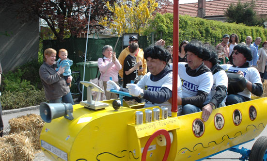 2010-04-24 Seifenkistenrennen  10seifenkisten_DSC_0041.jpg