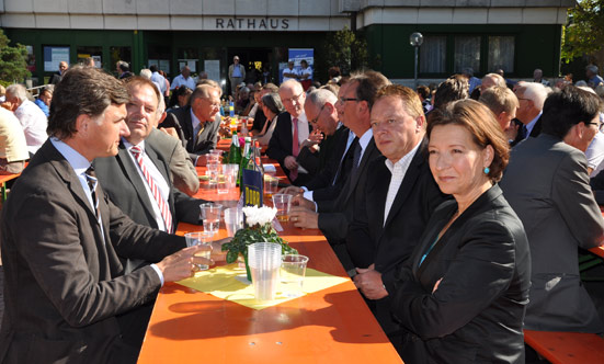 2011-10-01 Spatenstich Rathausviertel  11R4G_DSC_0031.jpg