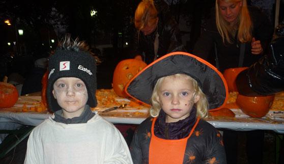 2011-10-31 Halloween-Party  11halloween_P1010199.jpg