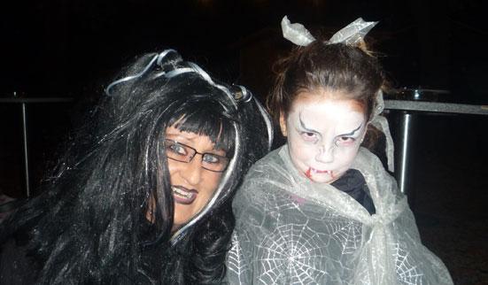 2011-10-31 Halloween-Party  11halloween_P1010205.jpg