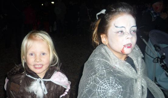 2011-10-31 Halloween-Party  11halloween_P1010217.jpg
