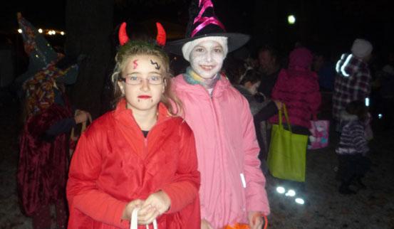 2011-10-31 Halloween-Party  11halloween_P1010225.jpg