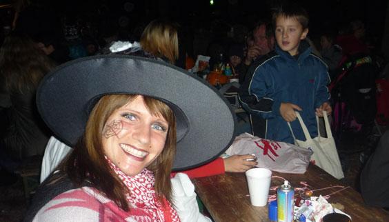 2011-10-31 Halloween-Party  11halloween_P1010249.jpg