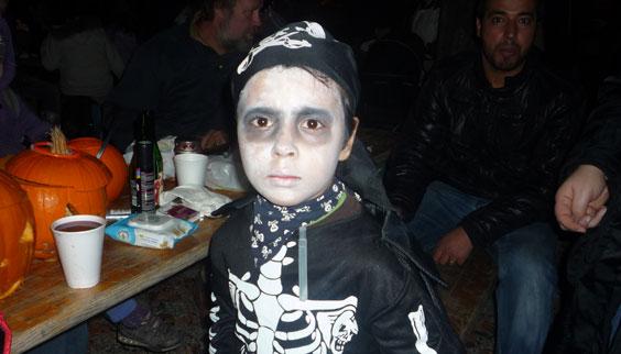 2011-10-31 Halloween-Party  11halloween_P1010254.jpg