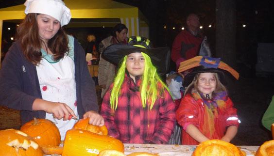 2011-10-31 Halloween-Party  11halloween_P1010259.jpg