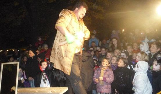 2011-10-31 Halloween-Party  11halloween_P1010268.jpg