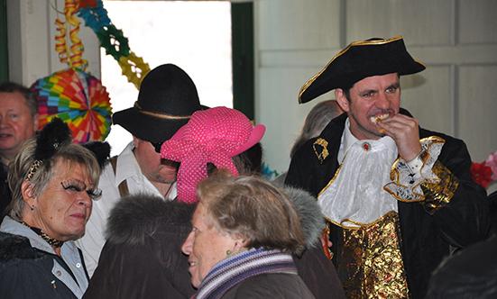 2012-02-21 Faschingdienstag im Rathaus  12fasching_063.jpg