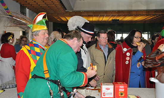 2012-02-21 Faschingdienstag im Rathaus  12fasching_080.jpg