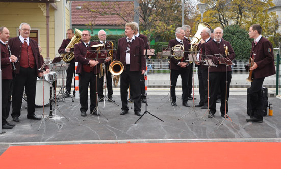 2013-10-22 Eröffnung der neuen BILLA und BIPA-Filialen  13BillaOpen_DSC_0003.jpg