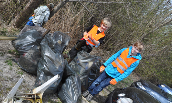 2015-04-15 Müllsammeln  15Stoplittering_VSIIDSC_0016.jpg