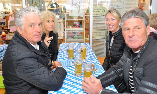 2015-09-26 Wies`n Fest zur Rathausplatz-Eröffnung  15WiesnGaudi_DSC_0063.jpg