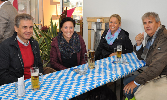 2015-09-26 Wies`n Fest zur Rathausplatz-Eröffnung  15WiesnGaudi_DSC_0064.jpg