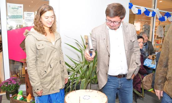2015-09-26 Wies`n Fest zur Rathausplatz-Eröffnung  15WiesnGaudi_DSC_0066.jpg