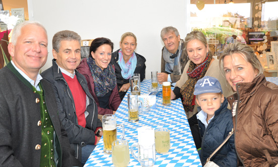 2015-09-26 Wies`n Fest zur Rathausplatz-Eröffnung  15WiesnGaudi_DSC_0149.jpg