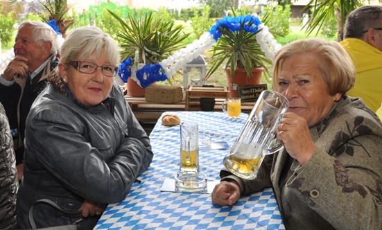 2015-09-26 Wies`n Fest zur Rathausplatz-Eröffnung  15WiesnGaudi_DSC_0151.jpg
