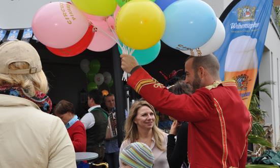 2015-09-26 Wies`n Fest zur Rathausplatz-Eröffnung  15WiesnGaudi_DSC_0167.jpg