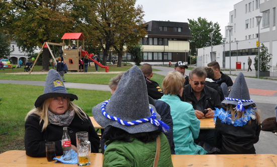 2015-09-26 Wies`n Fest zur Rathausplatz-Eröffnung  15WiesnGaudi_DSC_0275.jpg