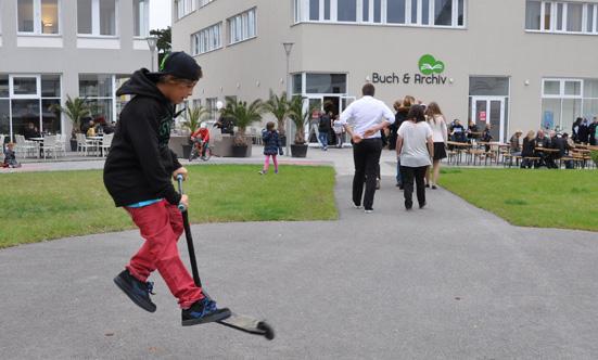 2015-09-26 Wies`n Fest zur Rathausplatz-Eröffnung  15WiesnGaudi_DSC_0316.jpg