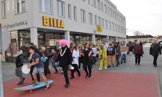 Faschingsparty beim Rathaus  17fasching_DSC_0119.jpg