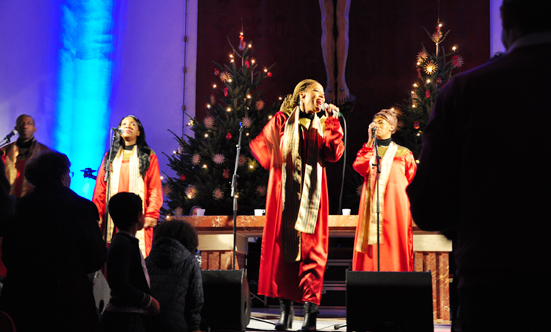 2016-12-11 Stella Jones u. Gruppe - Gospelkonzert  17gospel_DSC_0043.jpg