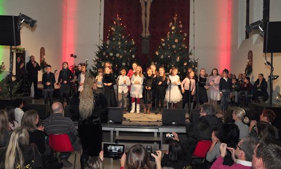 2016-12-11 Stella Jones u. Gruppe - Gospelkonzert  17gospel_DSC_0104.jpg